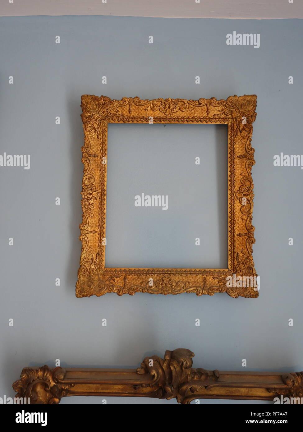 Single Gold Bilderrahmen Mit Keine Bilder Im Rahmen An Der Wand