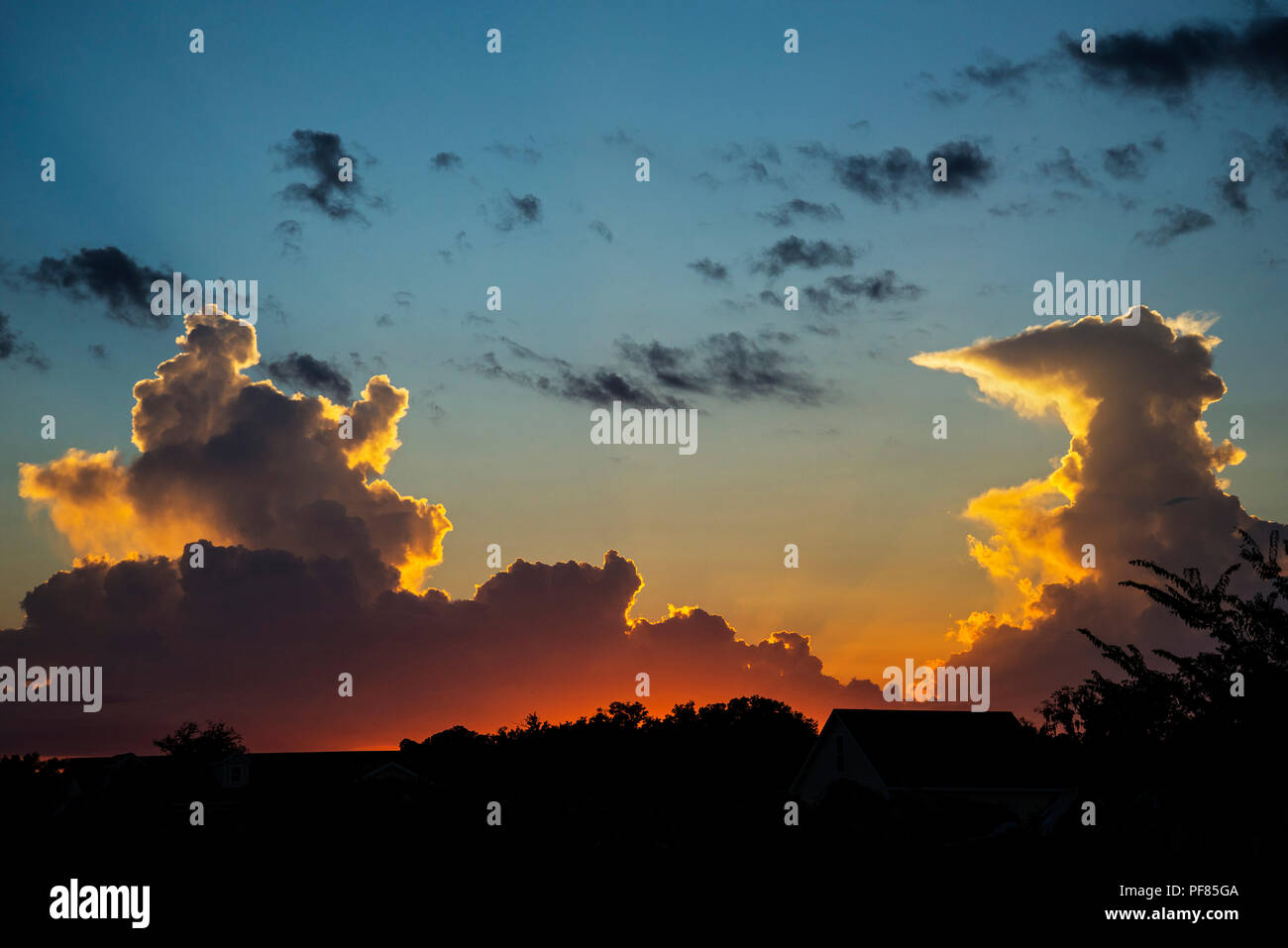 Sonnenuntergang Wolken in North Central Florida. Stockbild