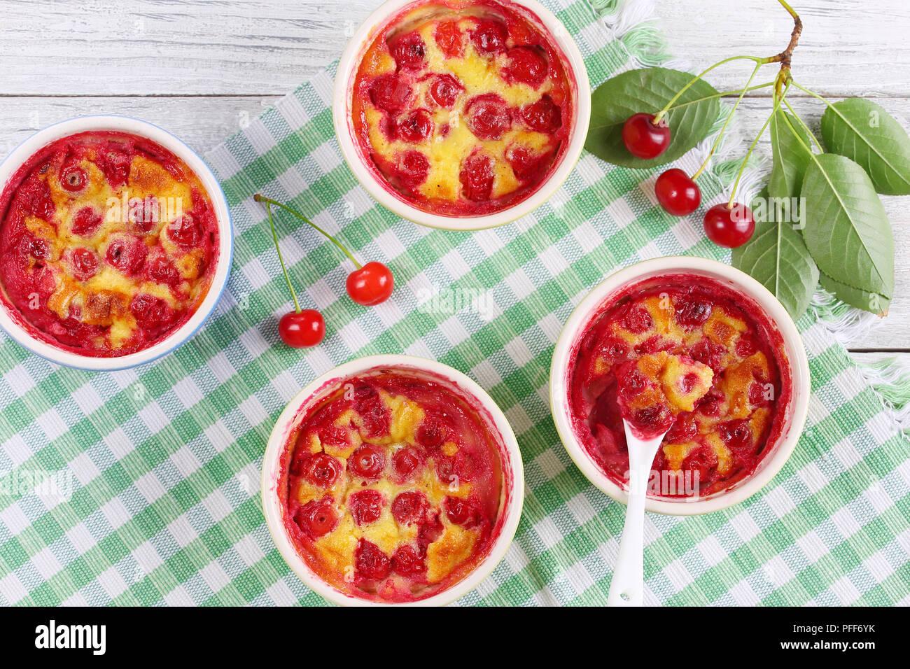 Leckere Sour Cherry Clafoutis Klassische Franzosische Susse Frucht