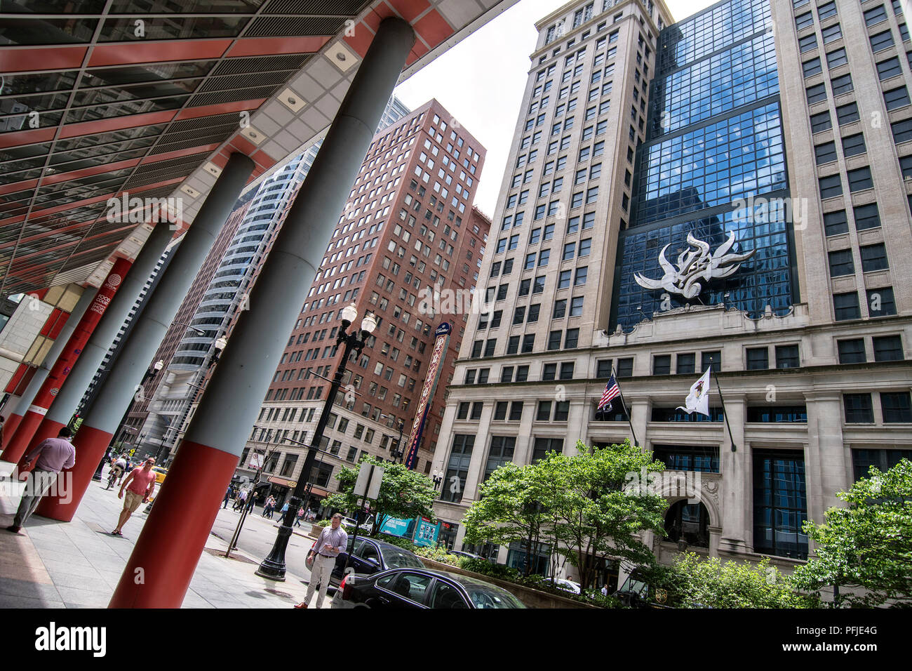 Llinois Abteilung Arbeit, Downtown Chicago, North LaSalle Blvd, Cadillac Palace Theater. Stockbild