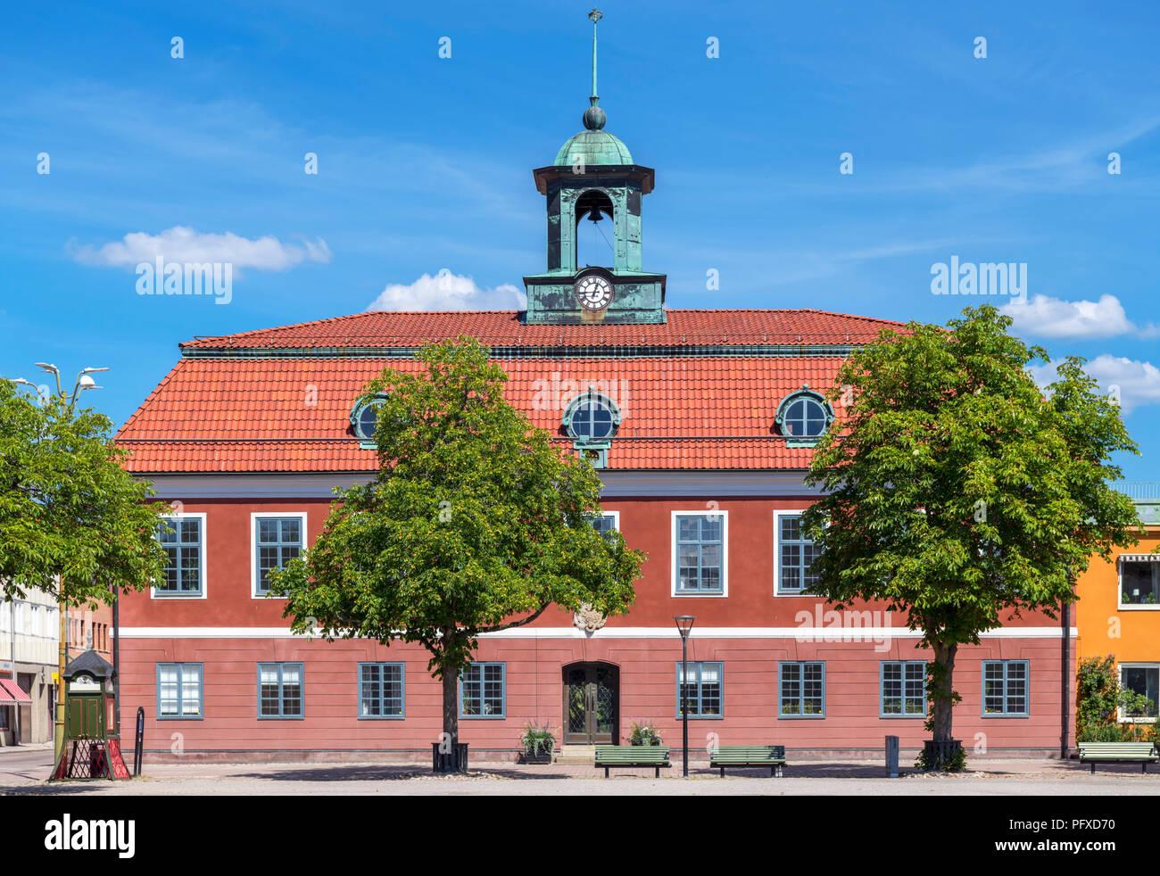 Rathaus auf dem Hauptplatz (Stora Torget), Sala, Västmanland, Schweden Stockbild