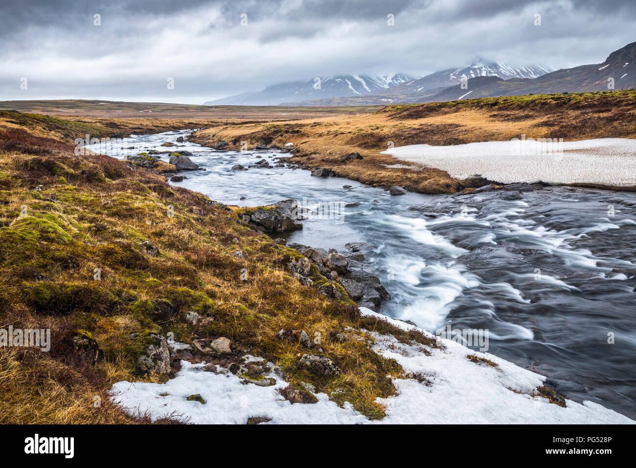 Flusslandschaft in Icelan, Pingvallavegur Stockbild