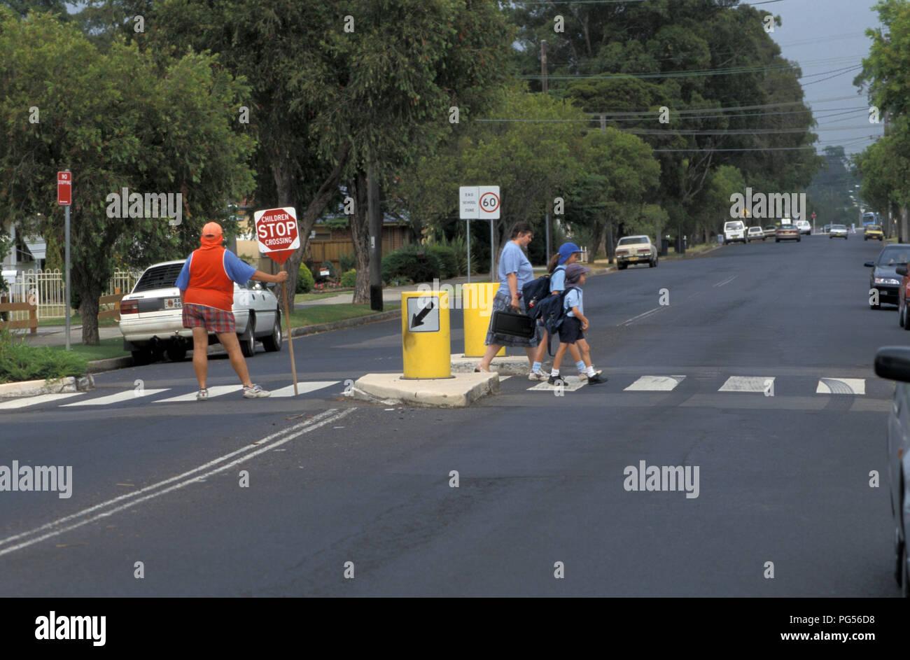Schule Kreuzung in einem Vorort von Sydney, New South Wales, Australien Stockbild
