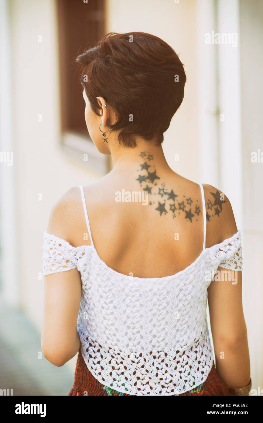 Tattoo single frau