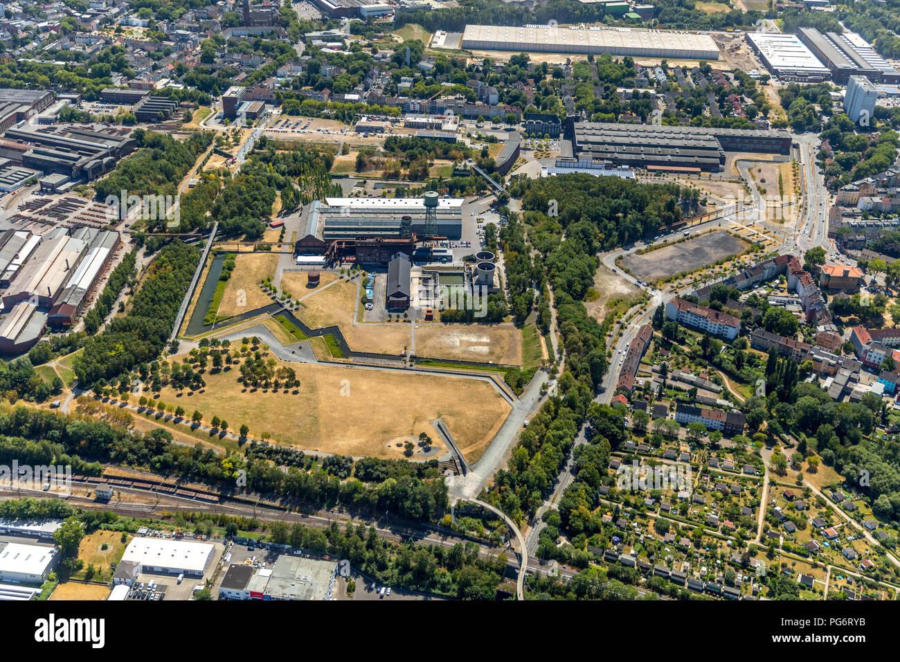 Westpark Bochum Jahrhundert Halle Bochum, Jahrhunderthaus Bochum, Kultur Ruhr GmbH, Gerard Mortier Square, Bochum, Ruhrgebiet, Nordrhein-Westfalen, Germa Stockbild