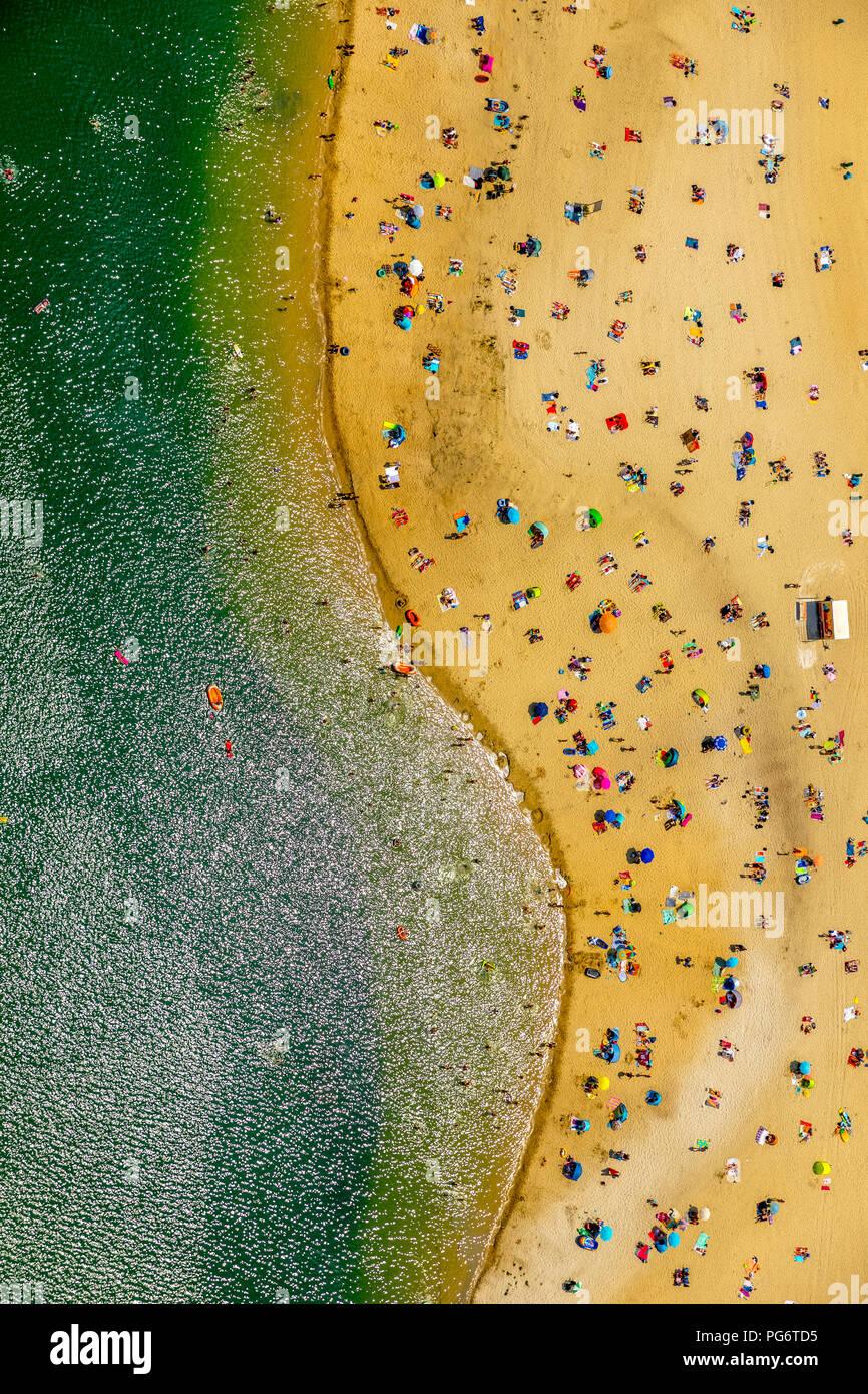 Beliebteste Strand der Ruhrgebiet ist am Silbersee II in Haltern am See entfernt, Sand und Wasser, Karibik Feeling, Lido, türkisfarbenem Wasser, Badegäste, Stockbild