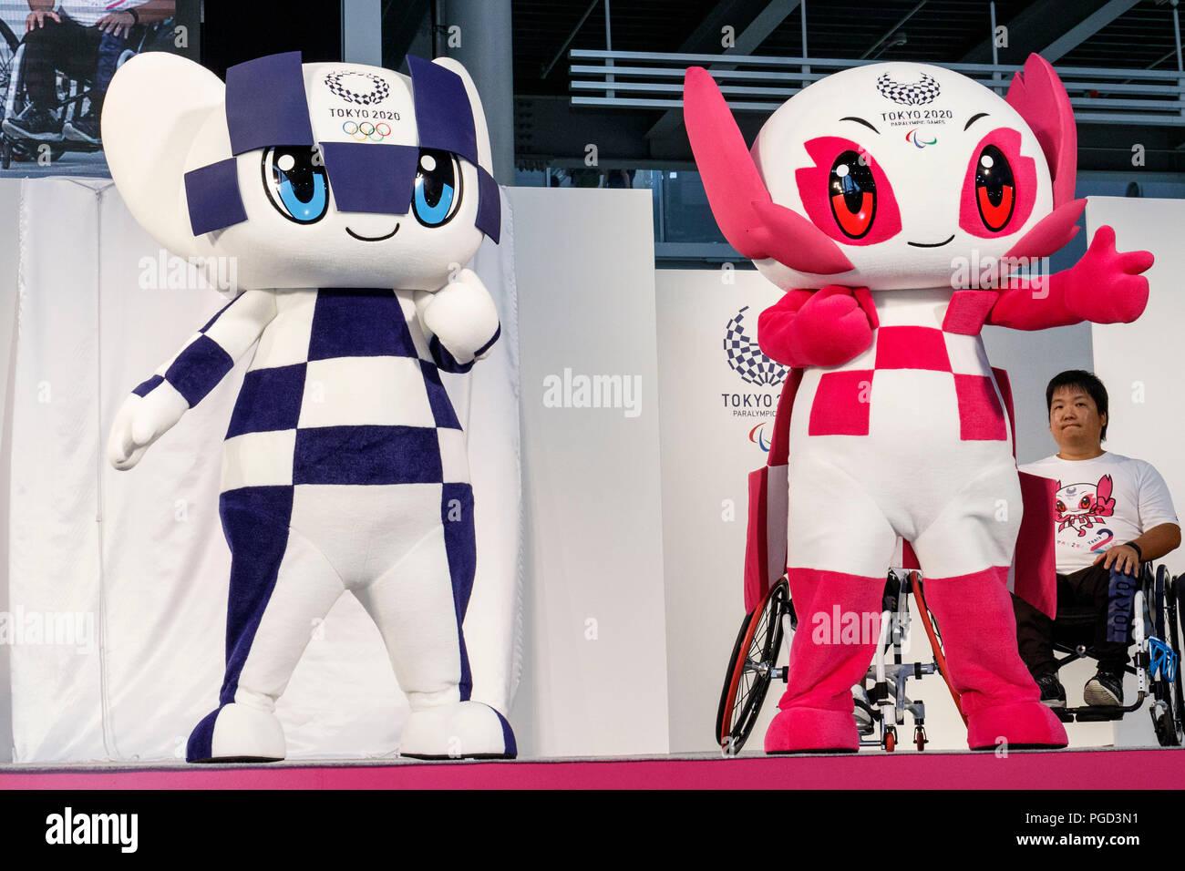 L Und R Tokyo 2020 Spiele Maskottchen Miraitowa Und Someity An Einem Tokio 2020 2 Jahre Zu Gehen Countdown Event Im Megaweb Komplexe Am 25 August 2018 Tokio Japan Japanische Sportler Prominente