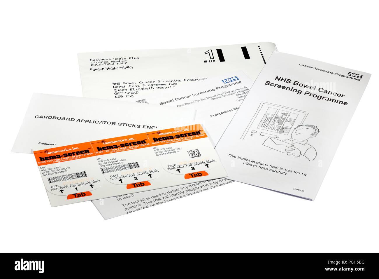 Immunostics. Inc. hema-Folie für okkultes Blut im Stuhl Darmkrebssiebung Stuhlprobe Karte von der NHS alle zwei Jahre zu über 60 Stockbild