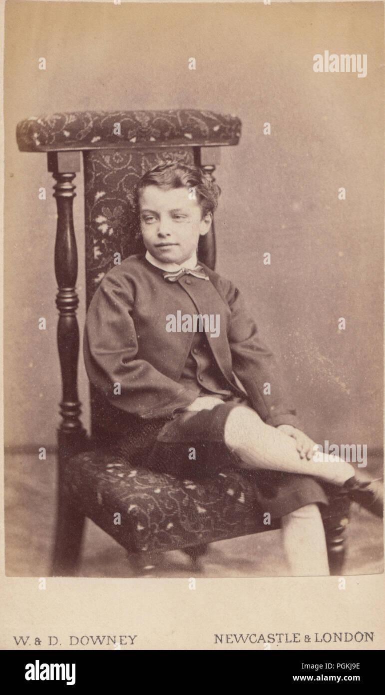 Newcastle London CDV Carte De Visite Eines Viktorianischen Junge Sass Auf Einem Stuhl
