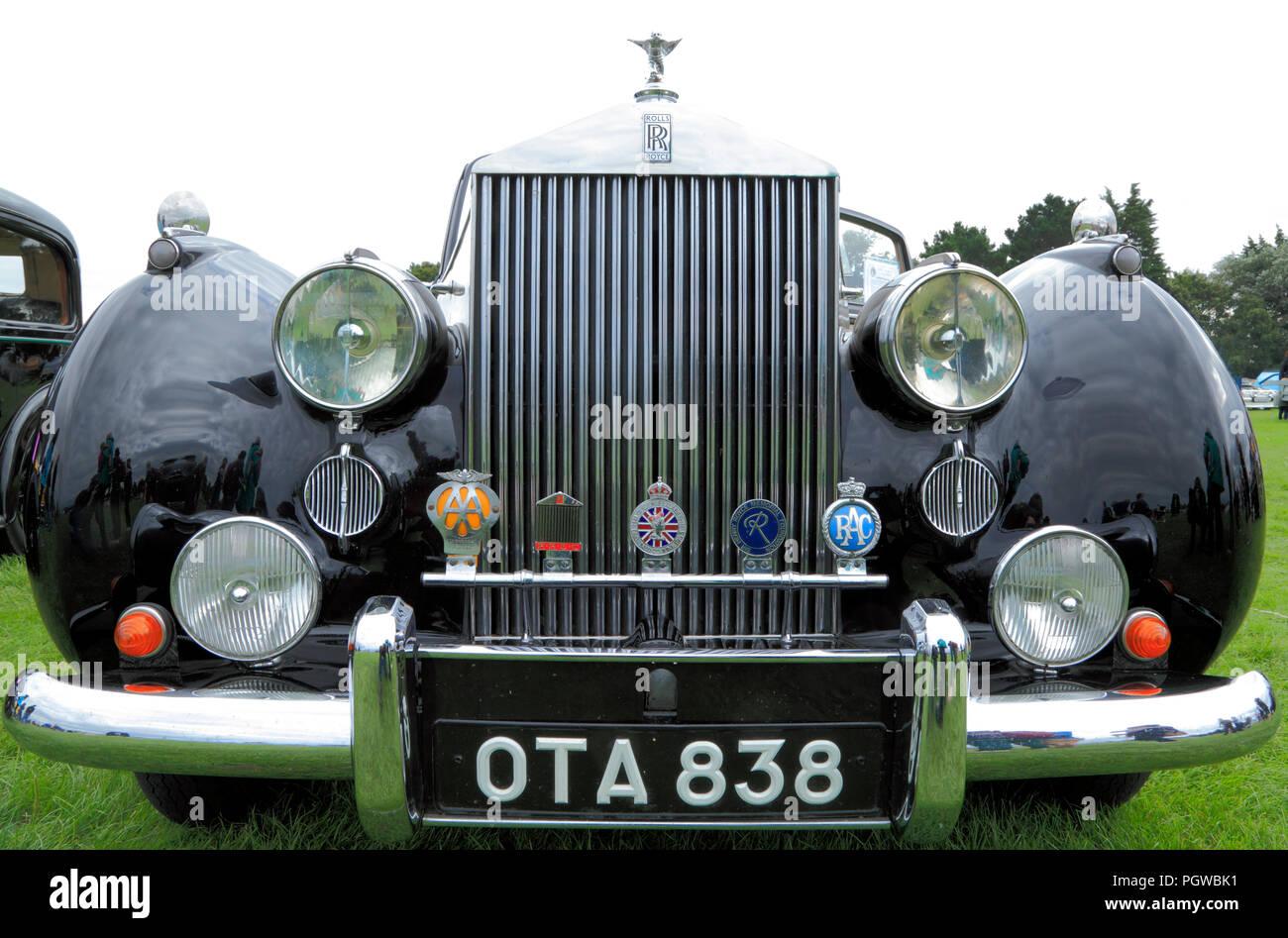 Rolls Royce Silver Dawn, Vintage, Classic, Auto, Autos, Fahrzeug, Detail, Kühler, Abzeichen, AA, RAC Stockbild