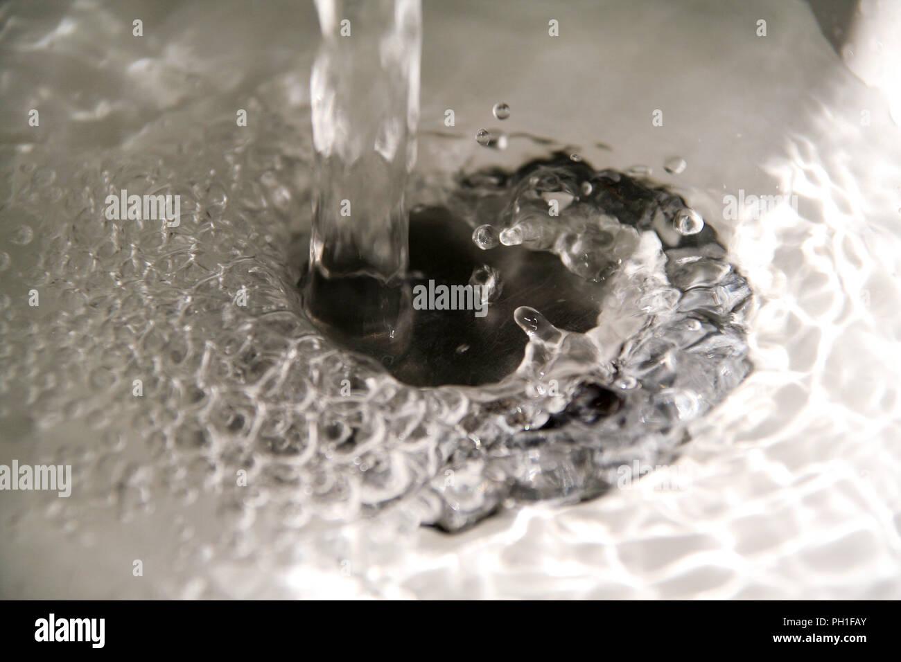 Wasser In Der Spule In Der Nahe Auf Szene Spritzwasser Giessen