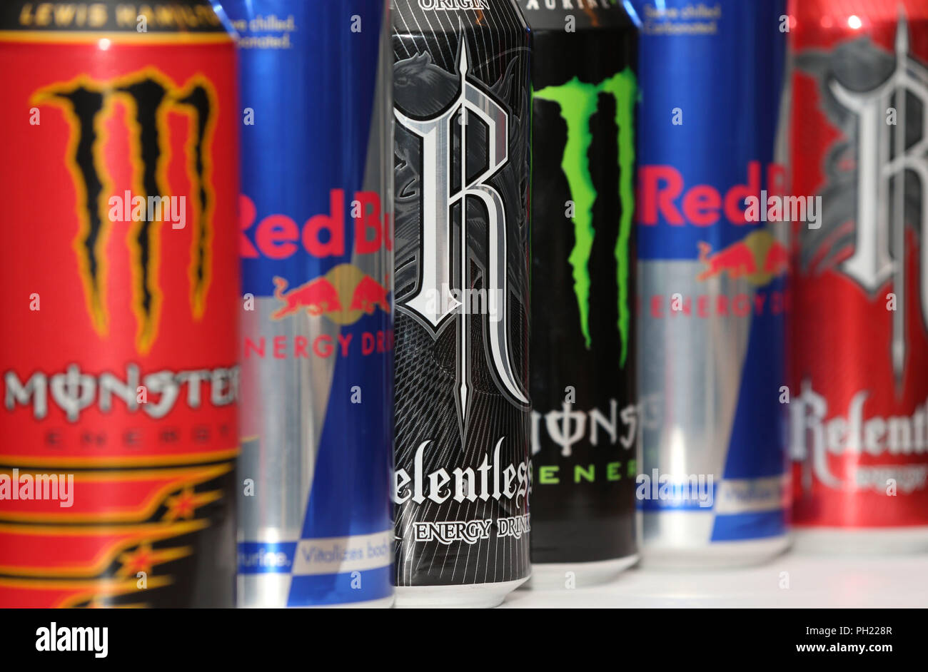 Red Bull Kühlschrank Promotion : Cans red bull stockfotos & cans red bull bilder alamy