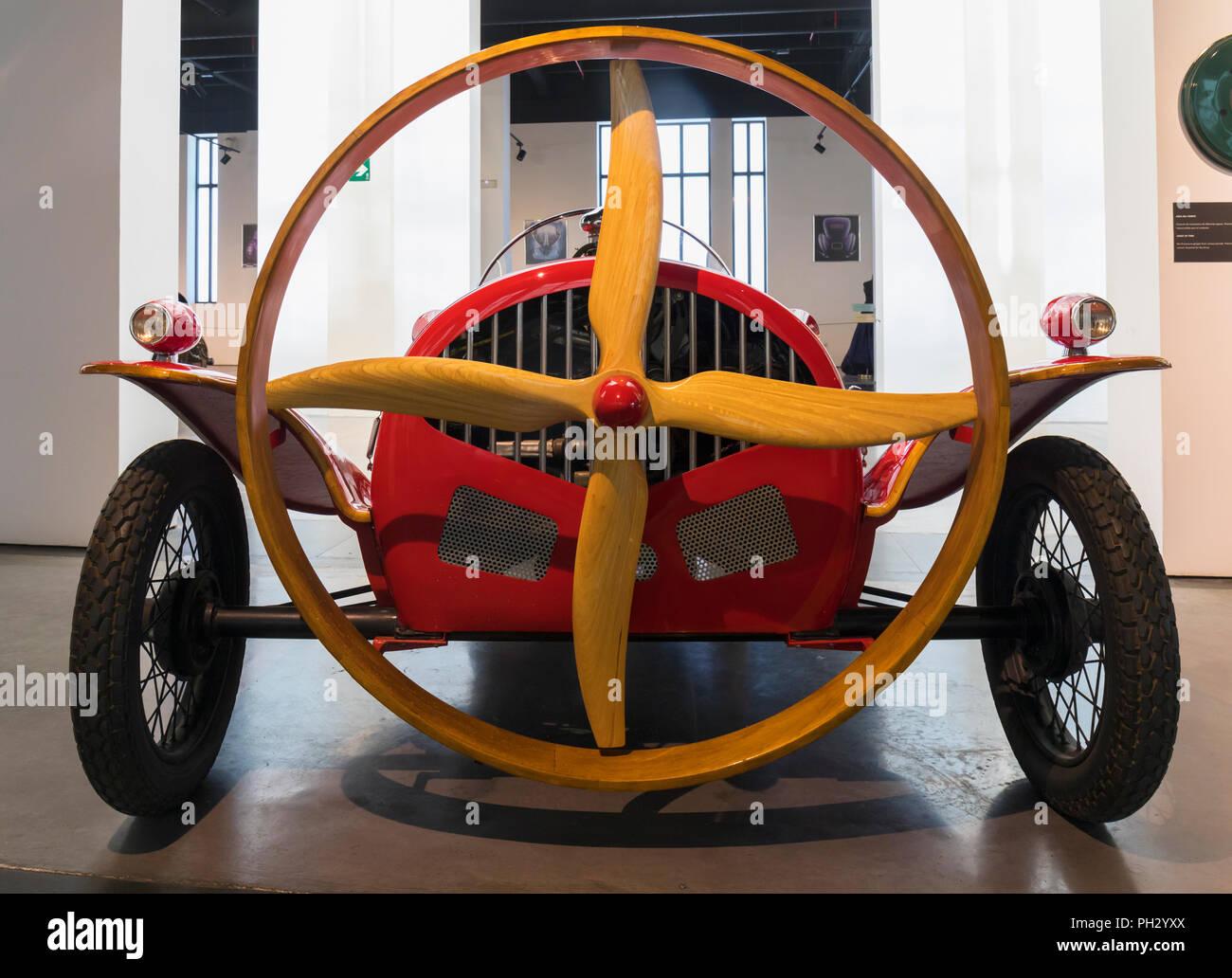 Museo Automovilistico y de la Moda, Malaga, Provinz Malaga, Spanien. Automobil und Mode Museum. Prototyp der Propeller angetrieben Helicron 2, Bui Stockbild