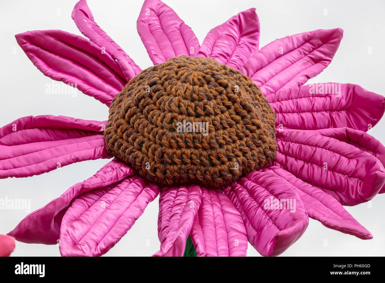 Blumen Aus Textilien Und Fasern Mit Häkeln Und Aussaat Techniken