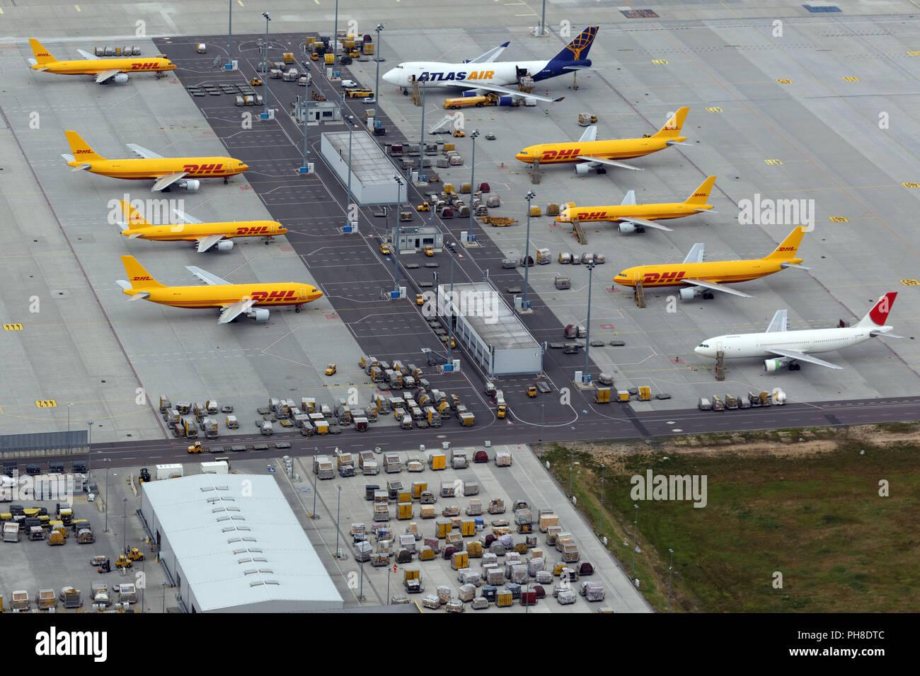 Dhl Hub Leipzig Gmbh Stockfoto Bild 217160060 Alamy