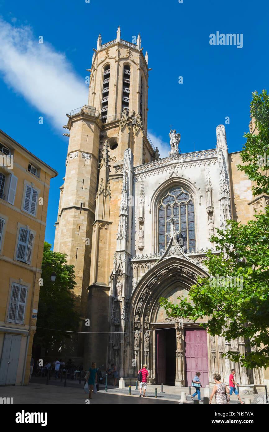 Aix-en-Provence, Provence-Alpes-Côte d'Azur, Frankreich. Kathedrale des Heiligen Erlöser. Cathédrale Saint-Jean d'Aix-en-Provence. Exterieur. Stockbild