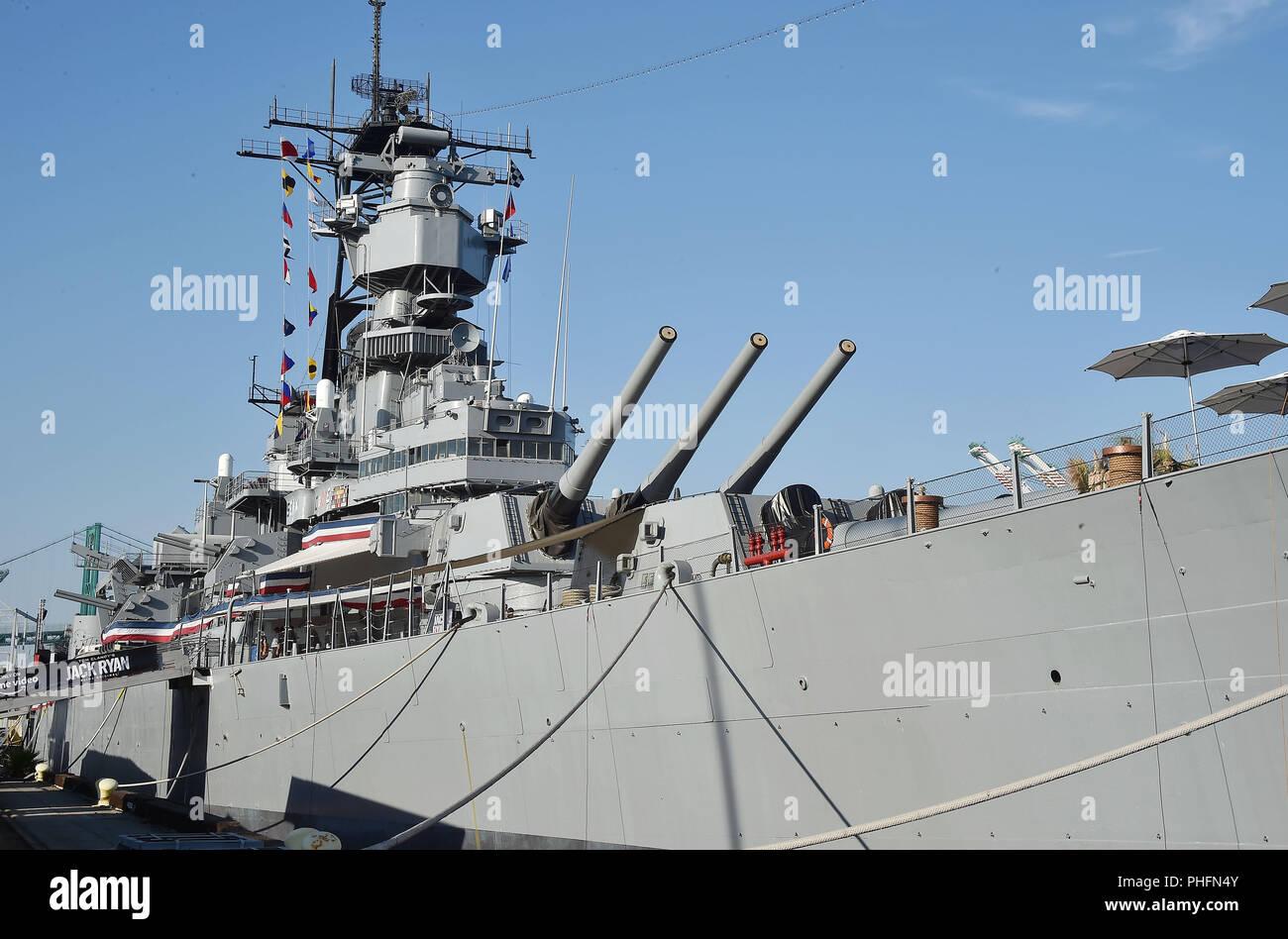 """USS BATTLESHIP USS IOWA BB-61 bewirtete die Premiere von 'Tom Clancy's Jack Ryan"""" bei der Eröffnung der Nacht von Los Angeles Flotte Woche 2018 am 31. August in San Pedro, Kalifornien 2018. Foto: Jeffrey Mayer Stockbild"""