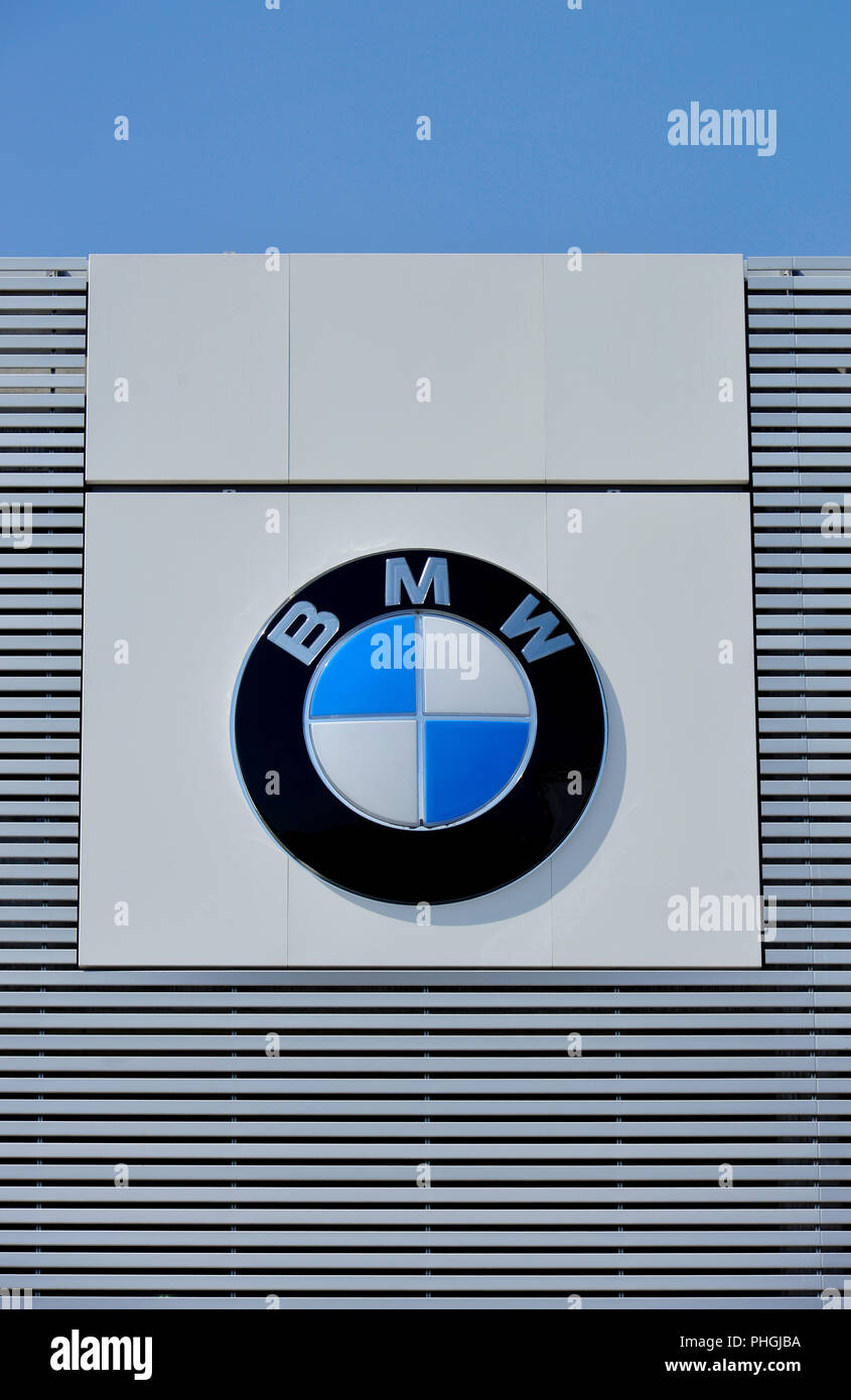 Bmw Sales Stockfotos Bmw Sales Bilder Alamy