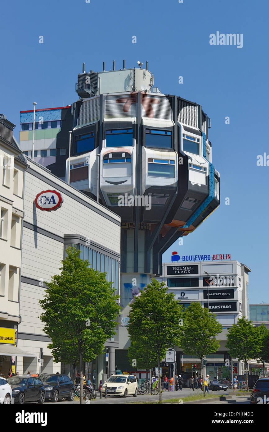 Bierpinsel deswegen, Schloßstraße, Steglitz, Berlin, Deutschland ...