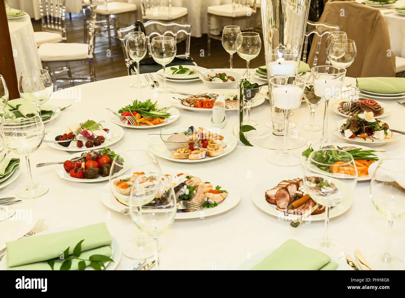 Schön Festlich Gedeckten Tisch Essen Auf Dem Festlichen