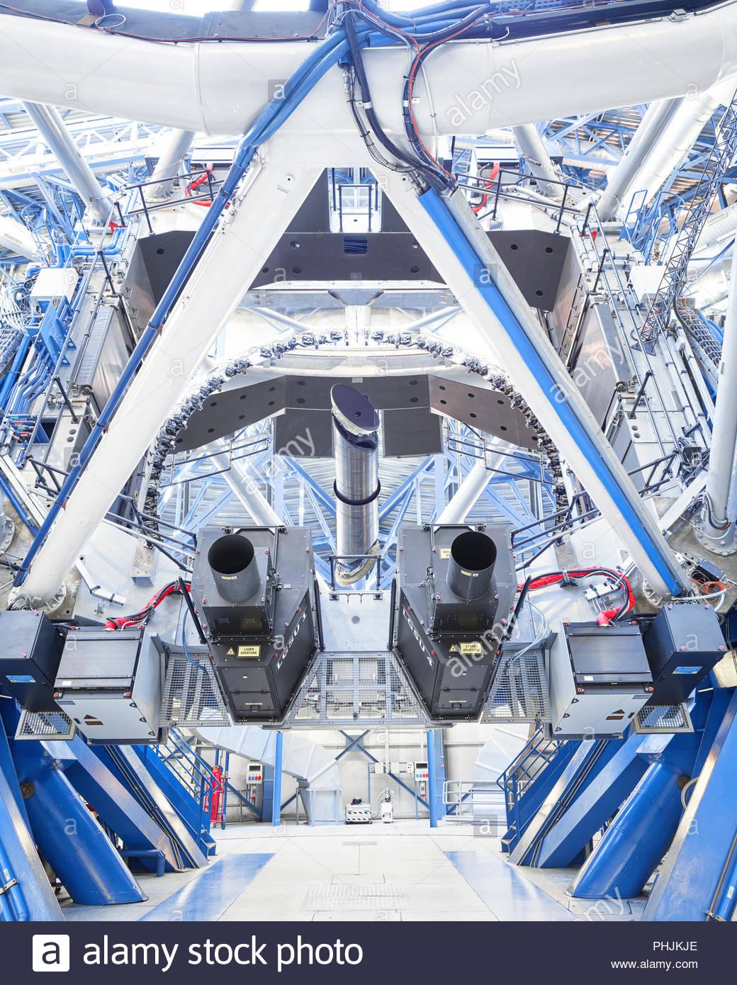 Low Angle View eines Teleskops auf Paranal Observatorium Stockbild