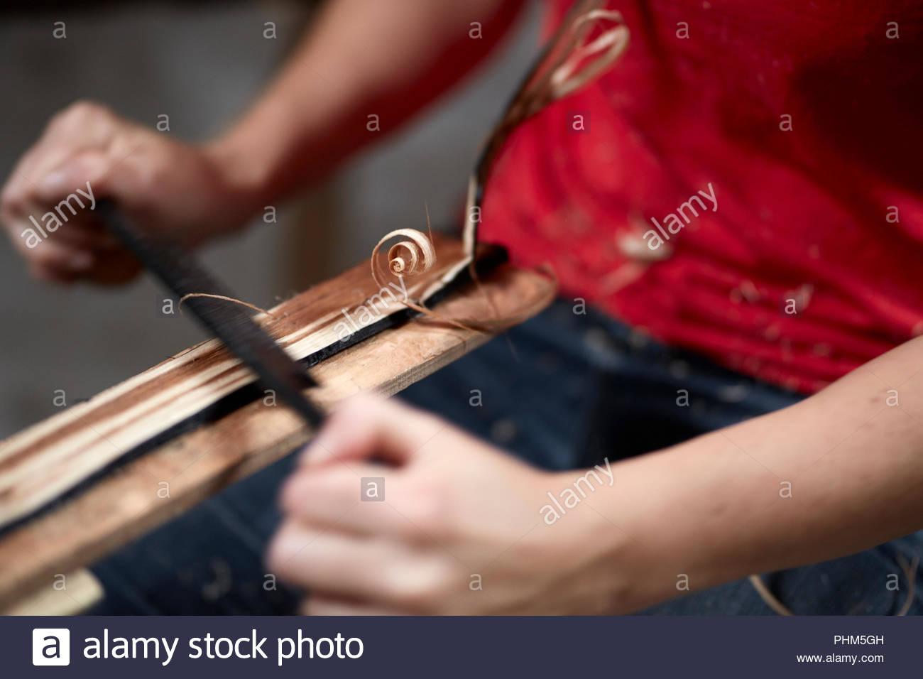 Hände von Frau rasieren Holz Stockbild