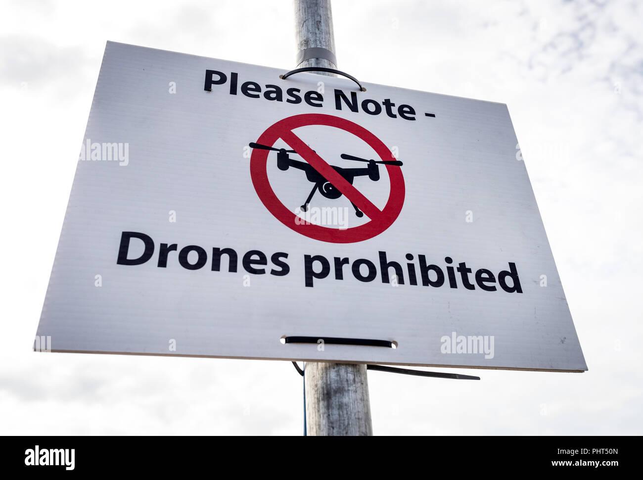 Kein Drone flying zone Zeichen in Bournemouth, Dorset, Großbritannien Stockbild