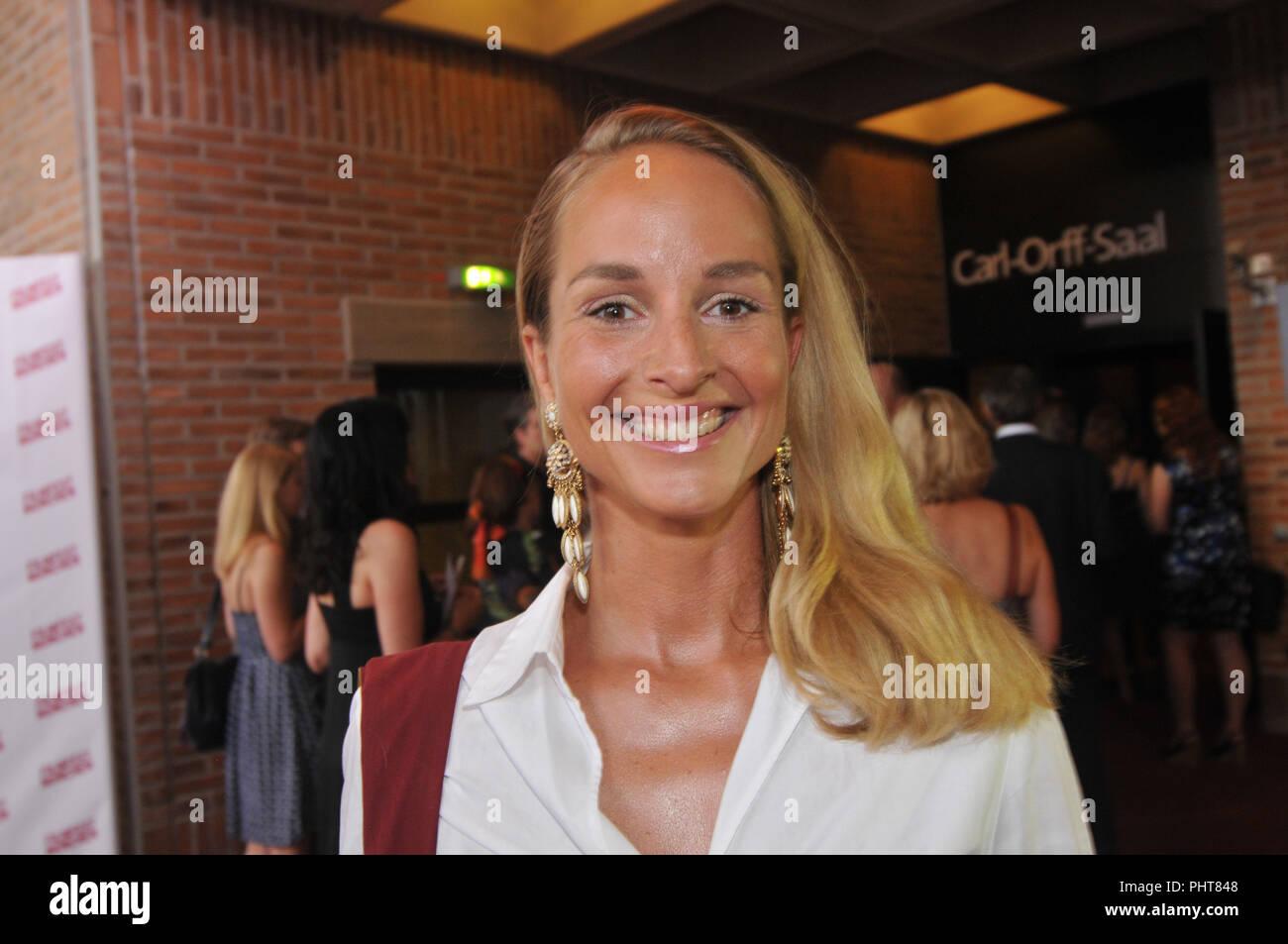 Lara-Joy Korner Nude Photos 18
