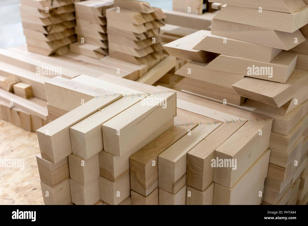 Fußboden Aus Holzklötzen ~ Holz bausteine die in der schreinerei möbel stockfoto bild
