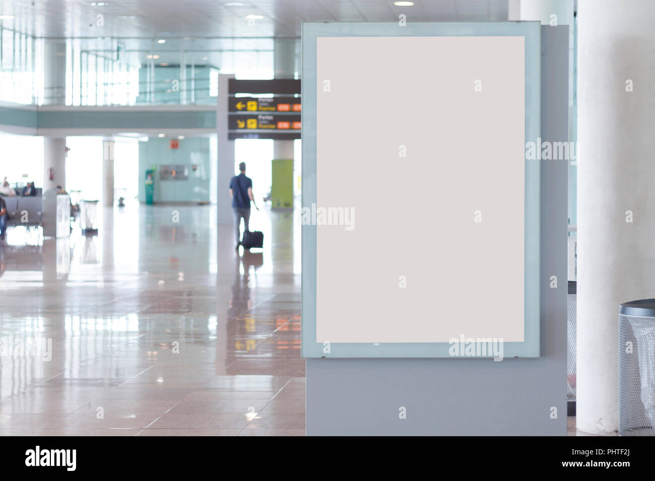 Leere Plakatwand Mock Up In Einem Flughafen Mit Unscharfen
