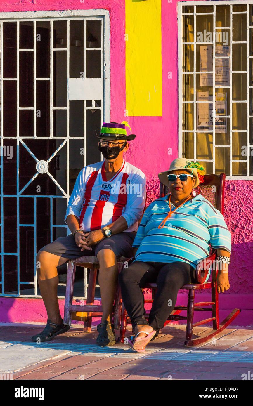 Barranquilla, Kolumbien - 25. Februar 2017: Menschen, die Teilnahme an der Parade der Karneval von Barranquilla Atlantico Kolumbien Stockbild