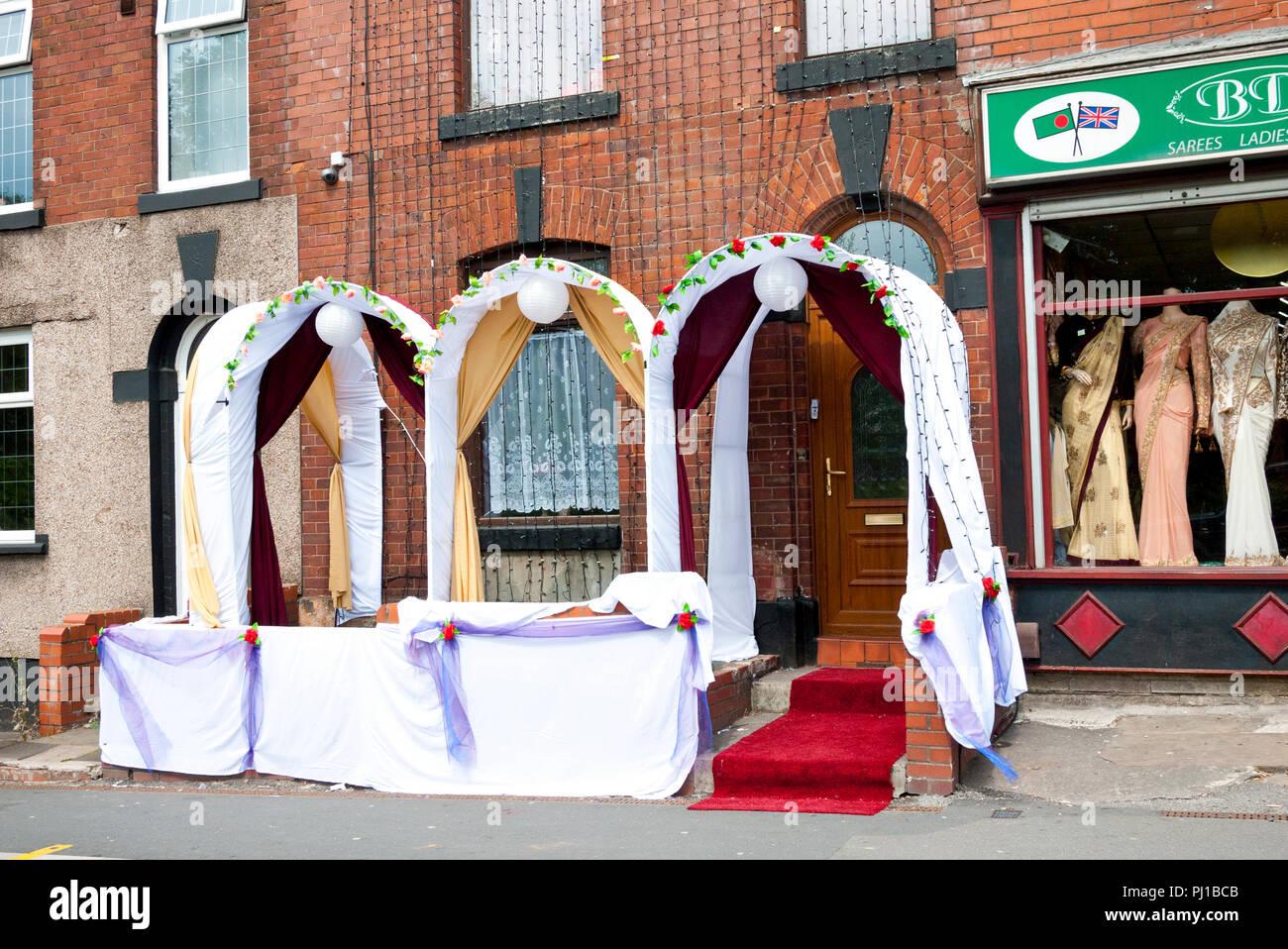 Pakistanische asiatischen Haus für die Hochzeit und Feier, Oldham, England, Großbritannien eingerichtet. Stockbild