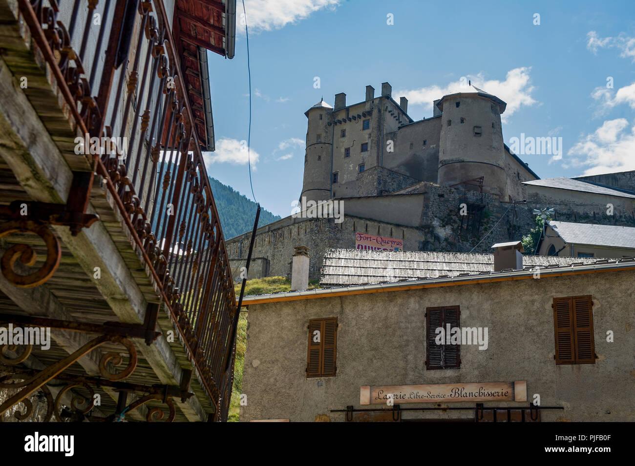 Klettersteig Chateau Queyras : Queyras stockfotos bilder alamy