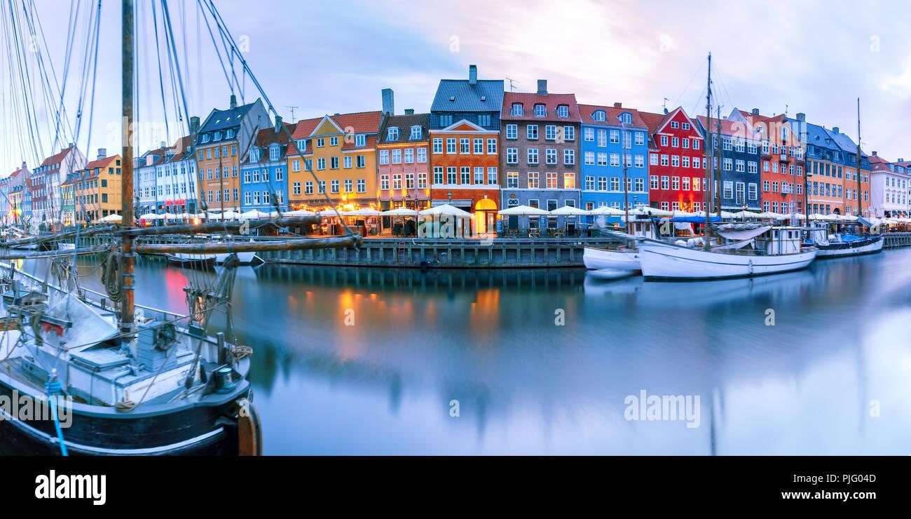 Panorama von Nyhavn in Kopenhagen, Dänemark. Stockbild