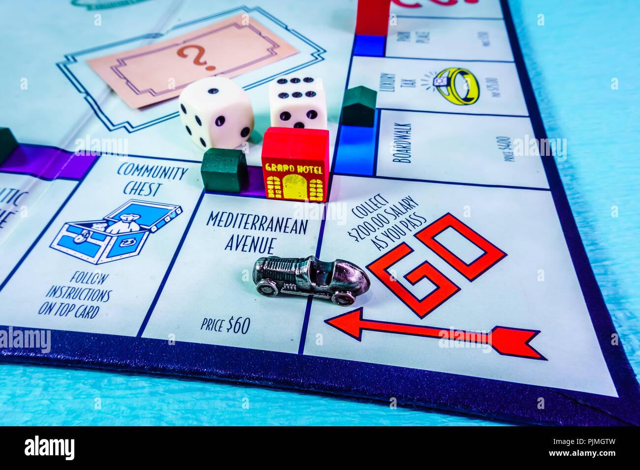 Monopoly Brettspiel In Der Nähe Mit Dem Auto Vorbei Die Klassische
