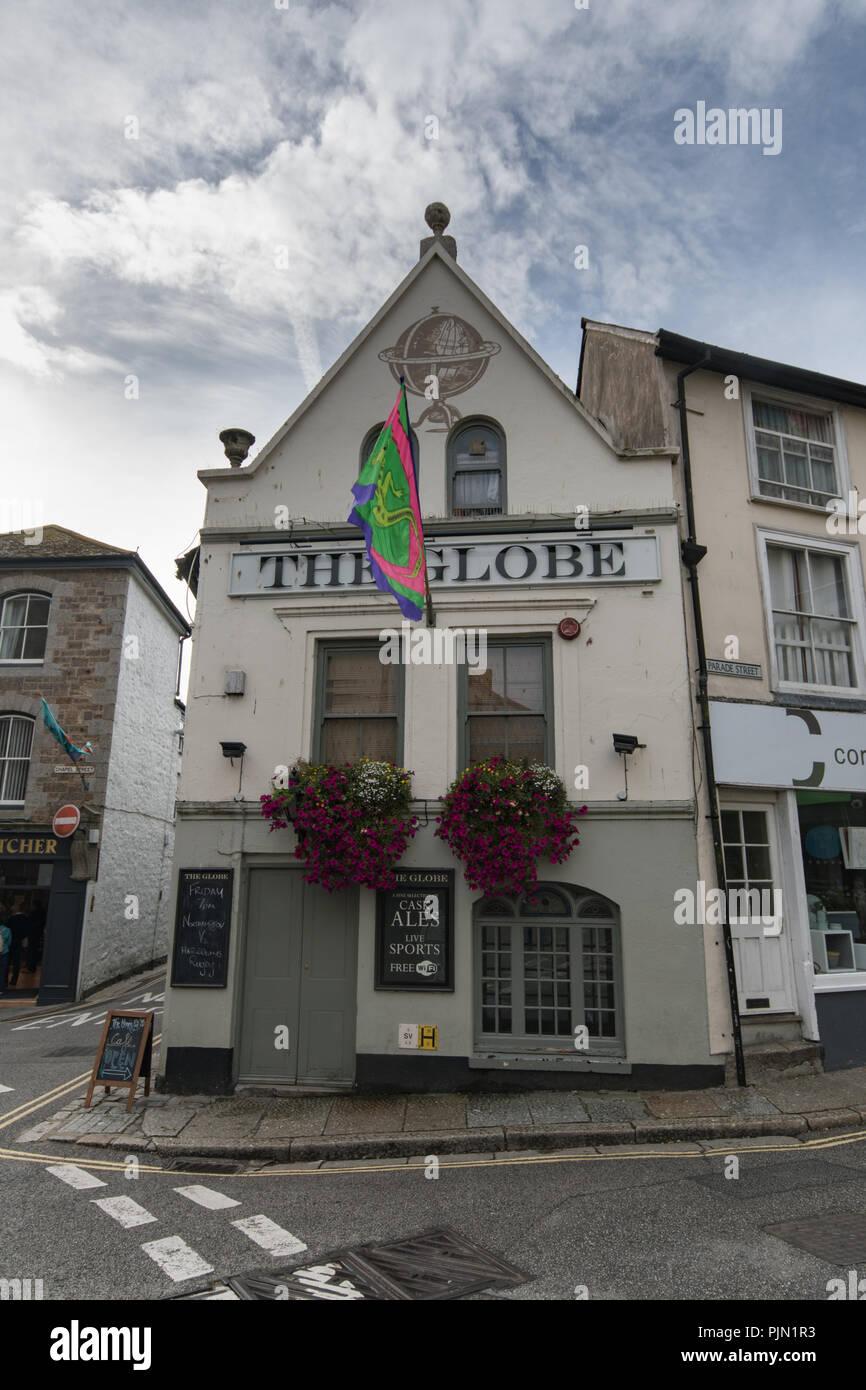 The Globe Inn an der Spitze von Chapel Street Penzance Stockbild