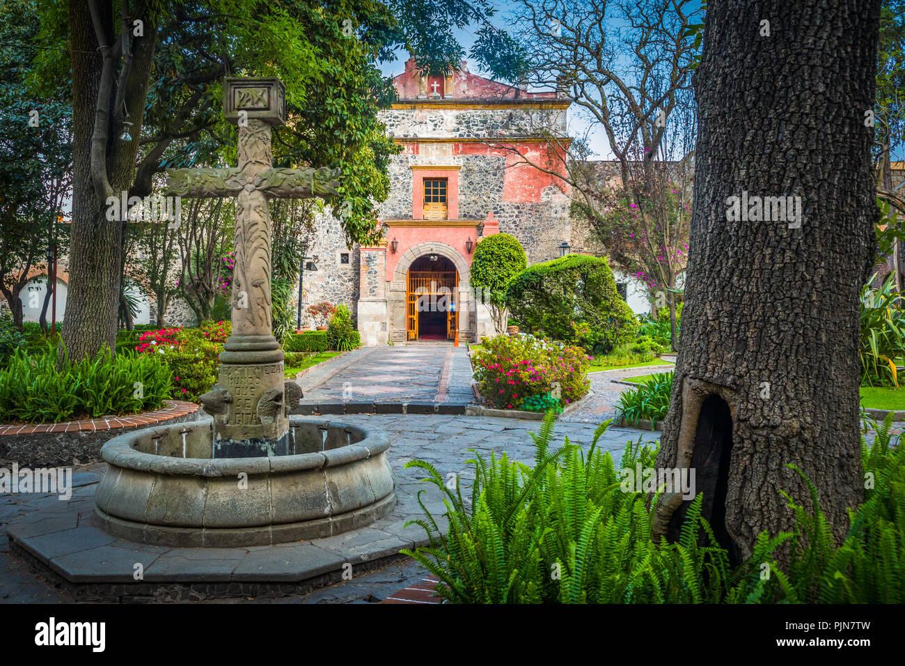 Parroquia San Jacinto im San Angel Nachbarschaft von Mexiko Stadt. San Angel ist eine Colonia oder in der Nachbarschaft von Mexiko Stadt. Stockbild