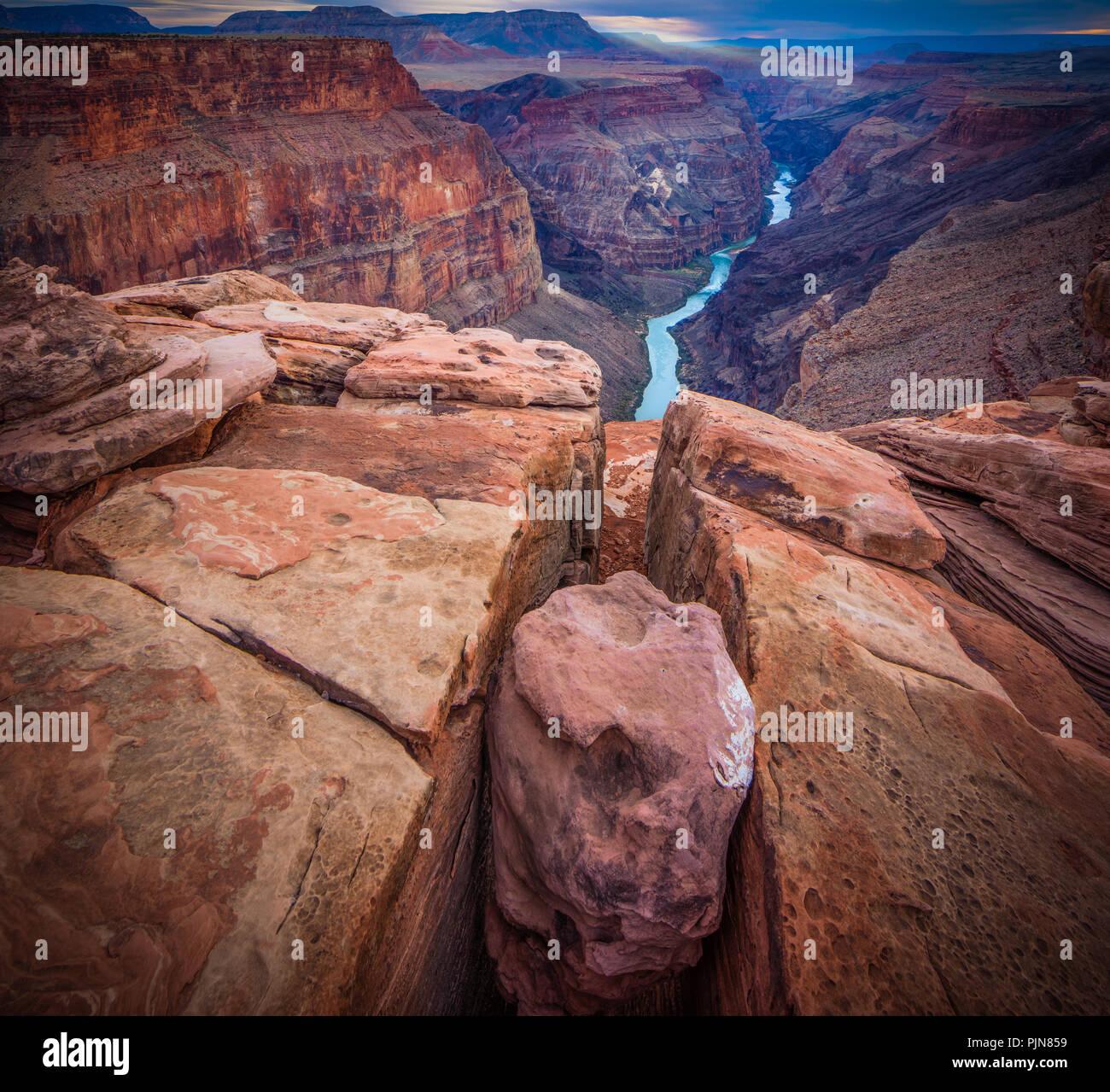 Grand Canyon vom Toroweap Point. Der Grand Canyon ist eine steile Schlucht des Colorado River im Bundesstaat Arizona geschnitzt. Stockbild