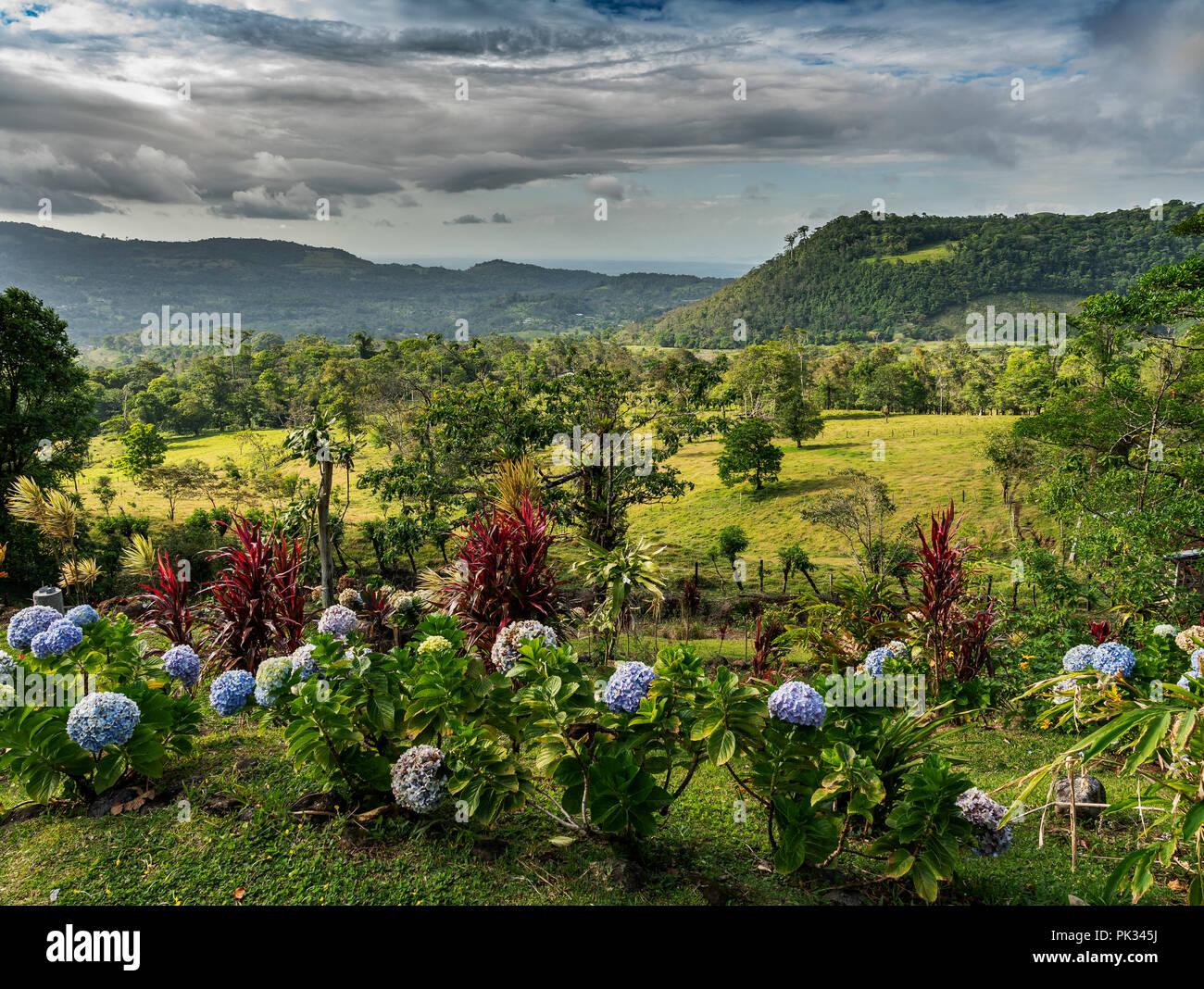 Blick vom Mirador El Silencio Hotel, San Carlos, Costa Rica Stockbild