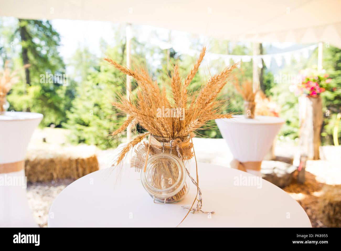 Getrocknet Weizen Ohren In Glas Sparen Jar In Shabby Chic Rustikale