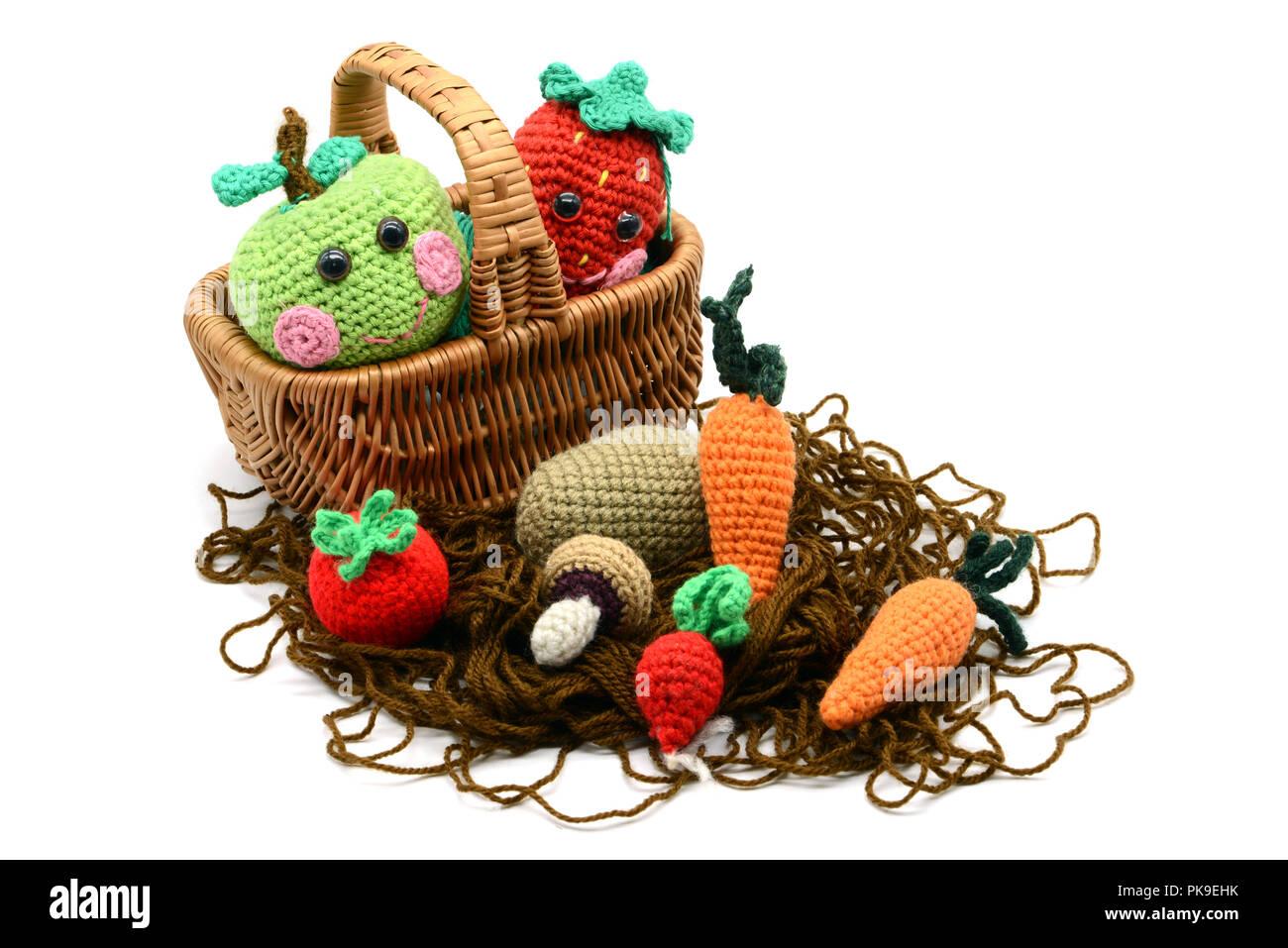 Häkeln Sie Obst Und Gemüse In Einen Korb Wie Aple Erdbeeren