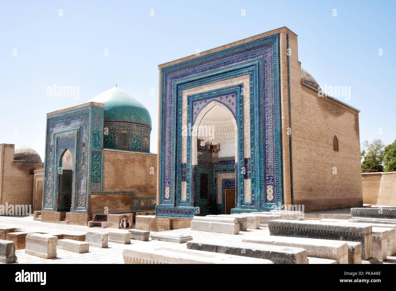 Shah-i-Zinda Ensemble auf der alten Seidenstraße in Samarkand, Usbekistan im Jahr 2018 getroffen Stockbild