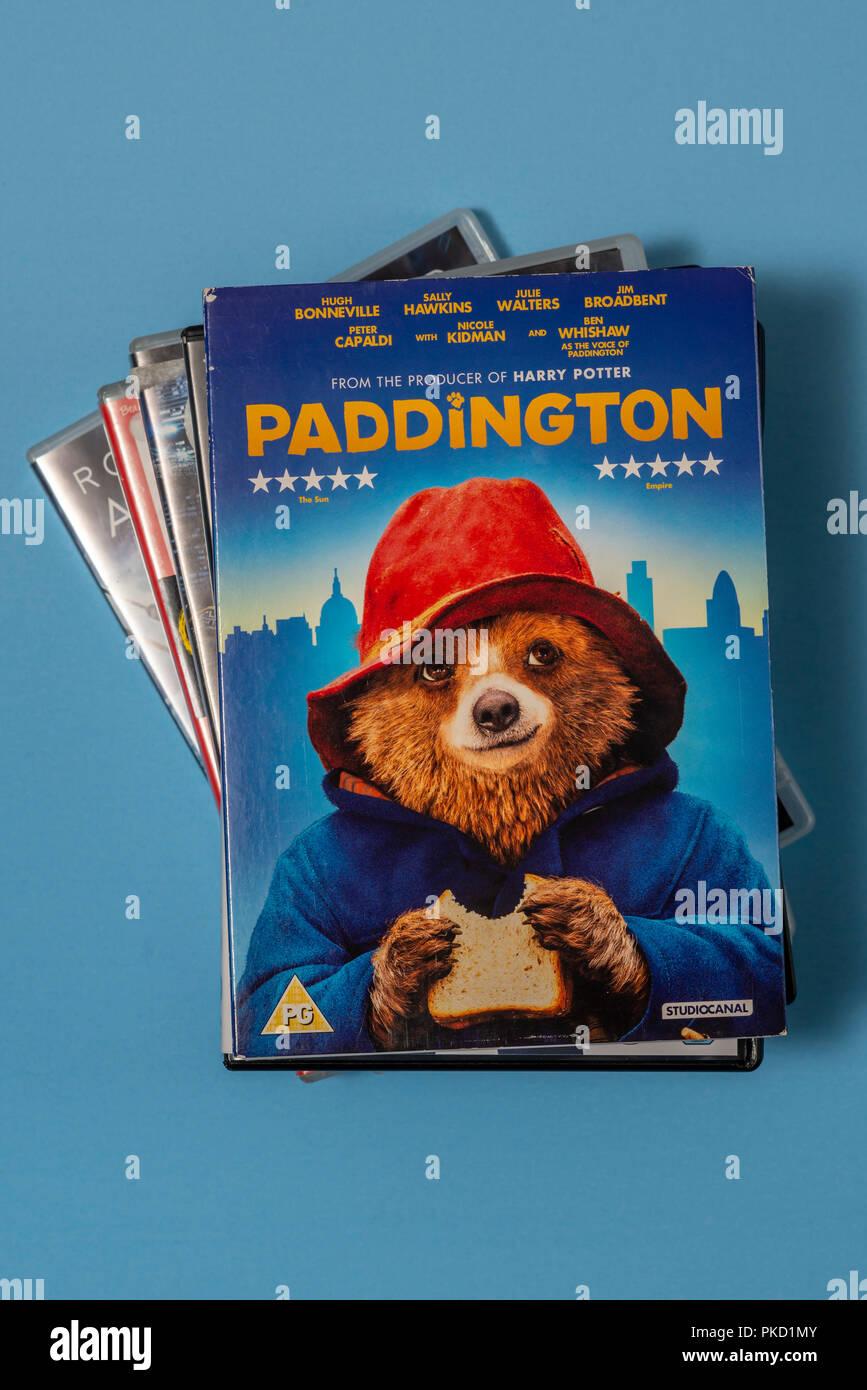 """DVD Der Film """"paddington"""" in einem Fall mit Kunstwerken. Stockbild"""
