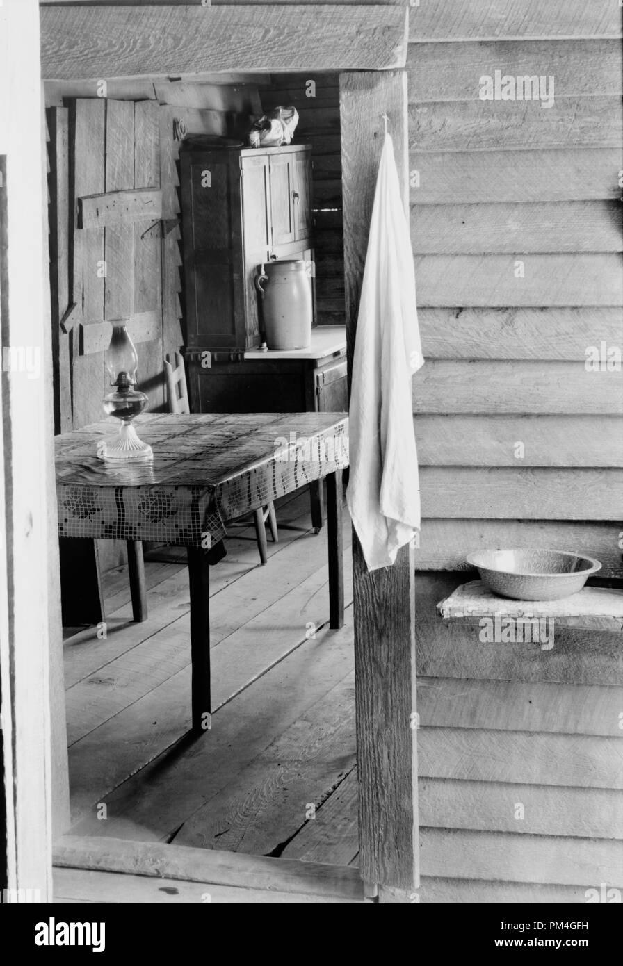 Waschtisch In Den Hund Ausfuhren Und Kuche Von Floyd Burroughs