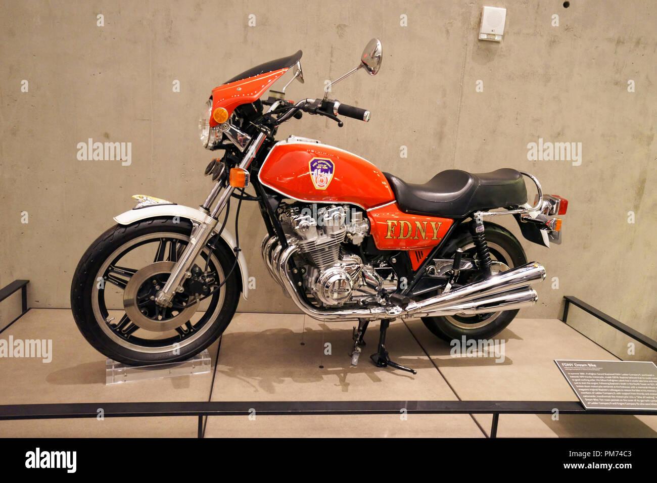 FDNY Traum Bike Anzeige in Nationalen 9/11 Memorial und Museum. New York City, USA. Stockbild