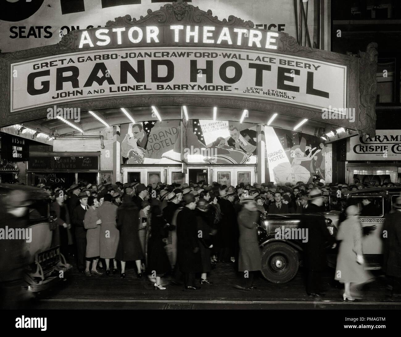 Die Astor Theater In New York Premieren Grand Hotel Mit Greta Garbo Ca 1932 Datei Referenz 32733 283 Tha Stockfotografie Alamy