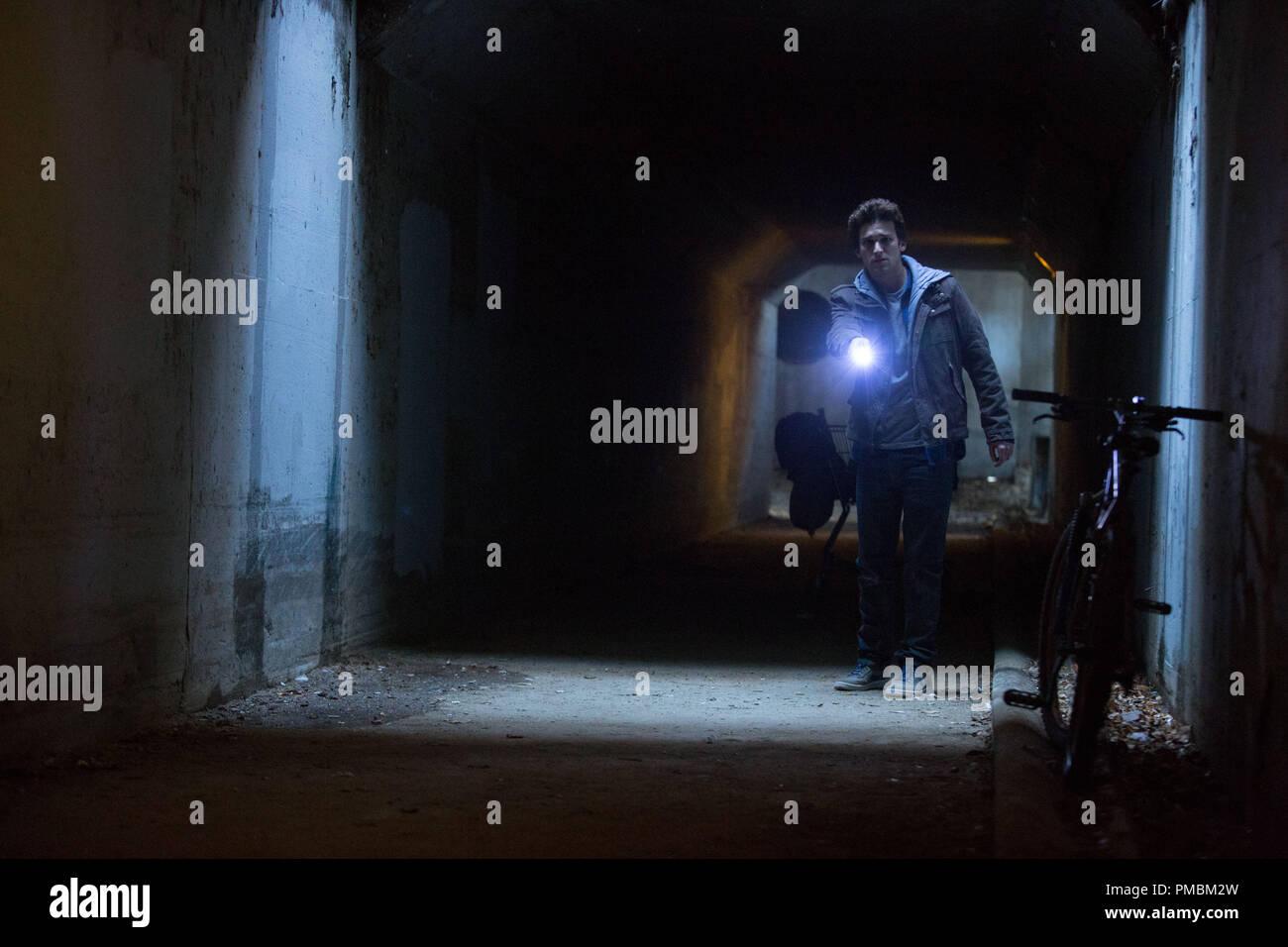 """DAREN KAGASOFF Sterne als Trevor in """"OUIJA"""", einem übernatürlichen Thriller über eine Gruppe von Freunden, die ihre schrecklichsten Ängsten stellen muss, wenn Sie die dunklen Mächte der alten Geist board wecken. Stockbild"""