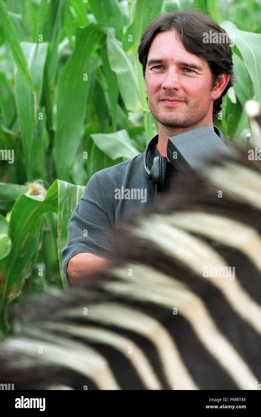 "FREDERIK DU CHAU, Direktor der Aktion von Alcon Entertainment live/CGI-animation Familie motion picture ""Racing Stripes"", von Warner Bros. Pictures vertrieben. (2004) Stockbild"