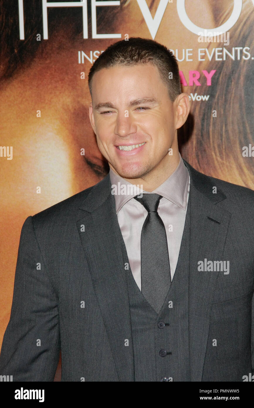 "Channing Tatum bei der Weltpremiere von ""Das Gelübde"". Ankünfte am Grauman's Chinese Theater in Hollywood, CA, 6. Februar 2012 statt. Foto von Joe Martinez/PictureLux Stockbild"
