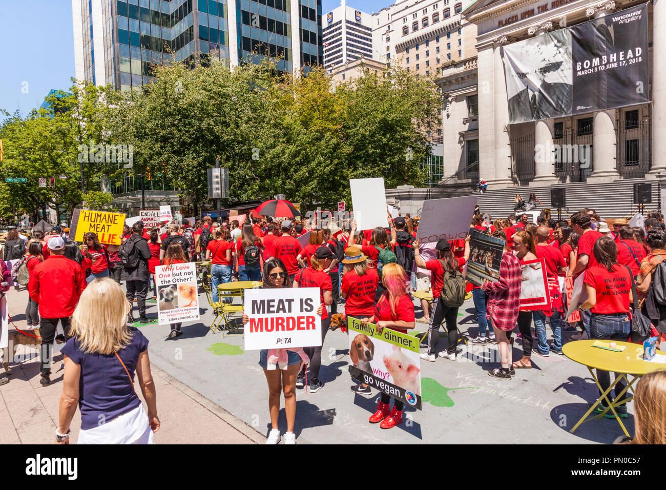 Eine vegane Kundgebung außerhalb der Kunstgalerie im Hornby Street, Vancouver, Britisch-Kolumbien, Kanada Stockbild